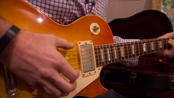 Update: Man Gets Guitar Back After Counterfeit Gold Scheme