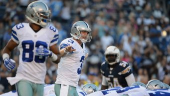 Cowboys Trail Chargers 10-7, at Half