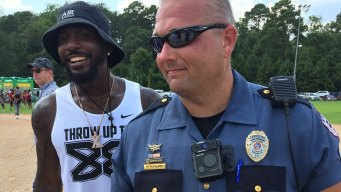 Dez Welcomes All to 'Backyard BBQ' in Lufkin
