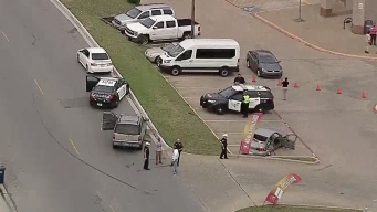 Four People Injured in Crash Outside Fort Worth School