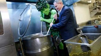 637-Pound Green Bean Casserole Is a Record-Breaker