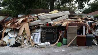 Dallas Trash Trucks to Help in Harvey Cleanup