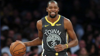 Durant Scores 29 Points, Warriors Hold Off Mavericks