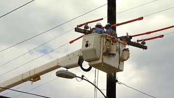 1 Electric Worker Killed, 1 Hurt During East Texas Repairs