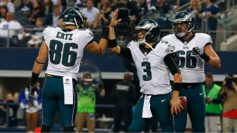 Cowboys Pummeled by Eagles, 33-10