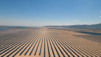 Supersized Solar Farms Sprout Around the World