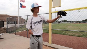 One-Handed Pitcher Gets College Scholarship