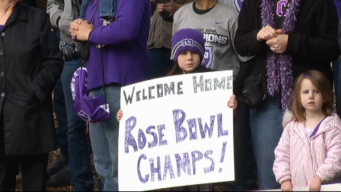 Frog Fans Welcome Champs Back Home