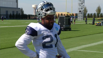 Elliott Getting Used to NFL Scrutiny After Underperforming in First Two Games