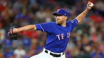 Diekman From Rangers to Diamondbacks While in Arizona
