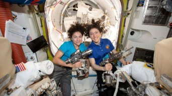3-2-1-Cookoff! Astronauts to Bake Cookies With New Test Oven
