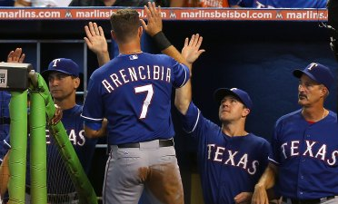 Martinez, Rangers Top Marlins, 5-4