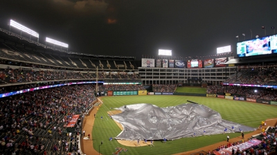 Rangers Lose to White Sox After Long Rain Delay