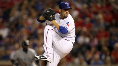 Rangers Give Adams 1-Year Deal
