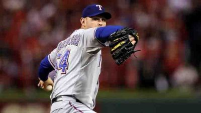 Rangers Pick Up 2-1 Win Over Padres