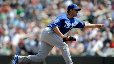 Rangers Acquire Royals Pitcher