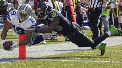 Seahawks Lead Cowboys At Half, 13-7