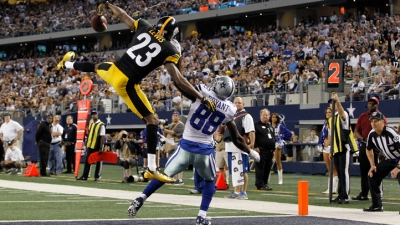 Dez Says 2,000-Yard Season Realistic