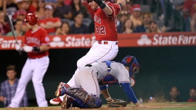 Snyder's Error Keys Rangers' Loss to Angels