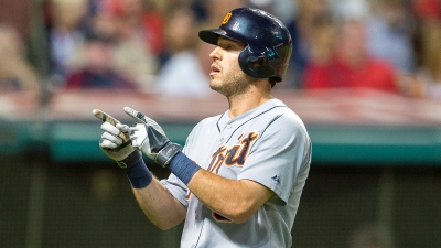 Kinsler Issues Wave Heard 'Round DFW