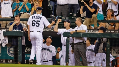 Cano Homers, Mariners Beat Rangers