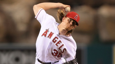 Weaver Helps Angels to Win Over Rangers