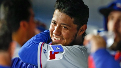 Gallardo Gives Rangers Hope With Win