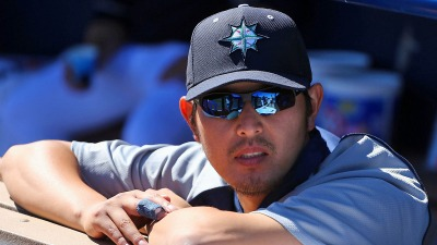 AL West Watch: Iwakuma Nearing Return