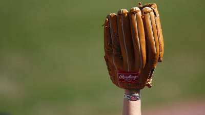 Rangers Shortstop Prospect Wins Gold Glove