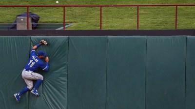 Encarnacion Grand Slam Helps Jays Top Rangers