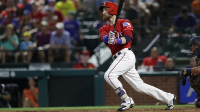 Lucroy's Two-Run Double Helps Rangers Beat Brewers