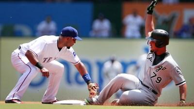 Gonzalez Pitches 6 Scoreless, White Sox Hold off Rangers 3-2