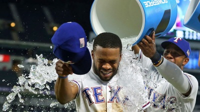 DeShields Helps Pace Rangers in 5-3 Win Over Mariners