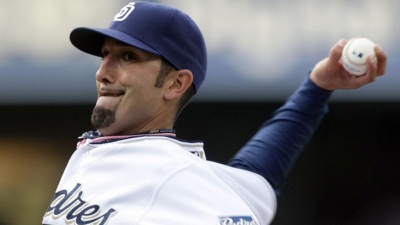 Rangers Pick Up Adams from Padres