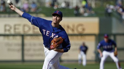 Gonzalez Makes Big Case for Rotation