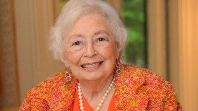 Jerry Jones' Mother, Arminta, Dies at 90