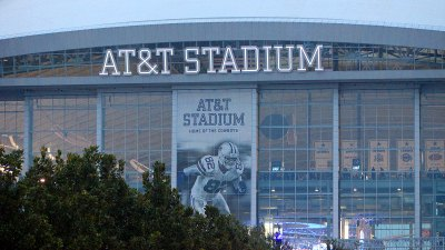 Joneses Want to Bring Draft to AT&T Stadium