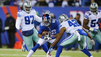 Cowboys Ahead of Giants at Half, 14-6