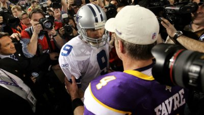 "Favre Praises Romo: ""He's Carried Those Guys"""