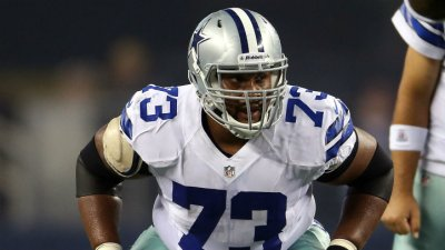 Cowboys' OL Struggling to Protect Romo
