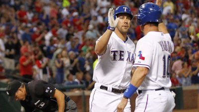 Timely Hitting Gets Rangers' Bats On Track