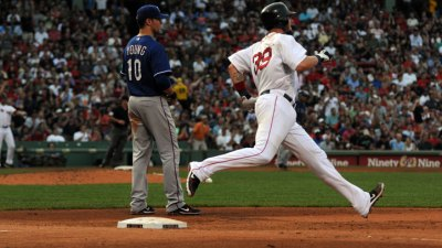 BoSox End Offensive Drought, Beat Texas