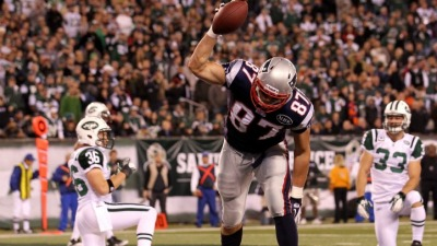 Gronkowski Insists He'll Play Sunday