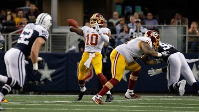 RG3 Shines In Return To Lone Star State