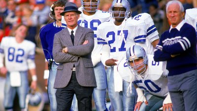Cowboys Players Pay Tribute to Tom Landry