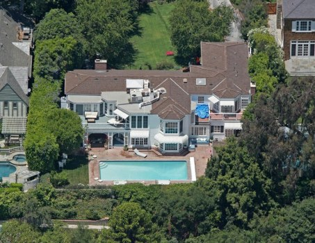 Is Kate Hudson House Hunting?