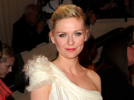 "Kirsten Dunst Joining Chloe Moretz in ""Hick"""