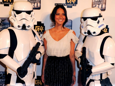 Olivia Munn Attacks a New Show: A Sitcom