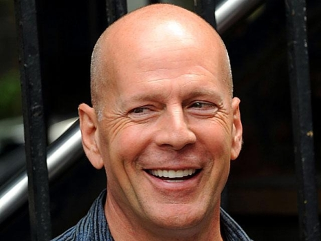 "Bruce Willis Picking ""Violet and Daisy"""