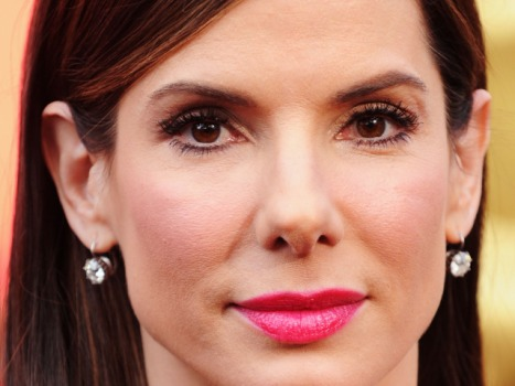 Sandra Bullock Hopes Returning Razzie Will End the Drama